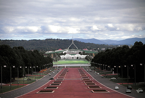 "The image ""http://www.virtualoceania.net/australia/photos/cities/canberra/au0224.jpg� cannot be displayed, because it contains errors."