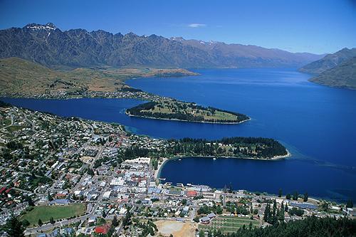 View of Queenstown & Lake Wakatipu photo