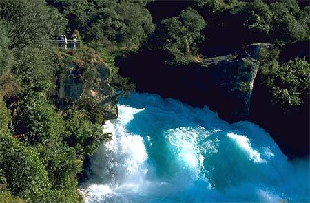 huka falls photo